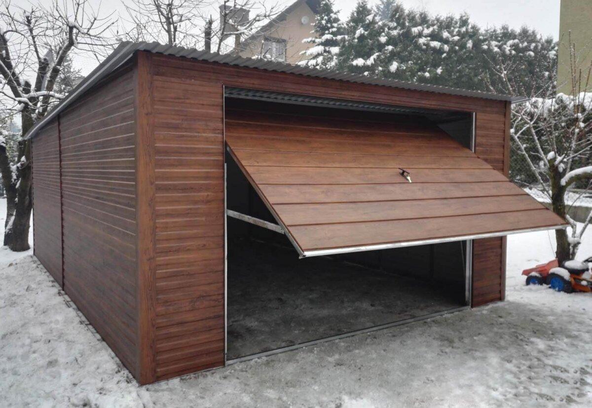 Plechová garáž 4×6 so spádom strechy dozadu Orech Mat