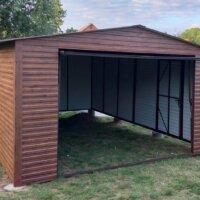 Plechová garáž na betónových pätkách